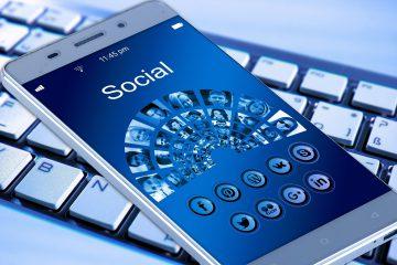 telefon, social media, przyrząd do zarabiania online